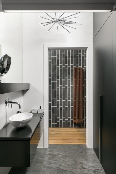 łazienka z marmuru